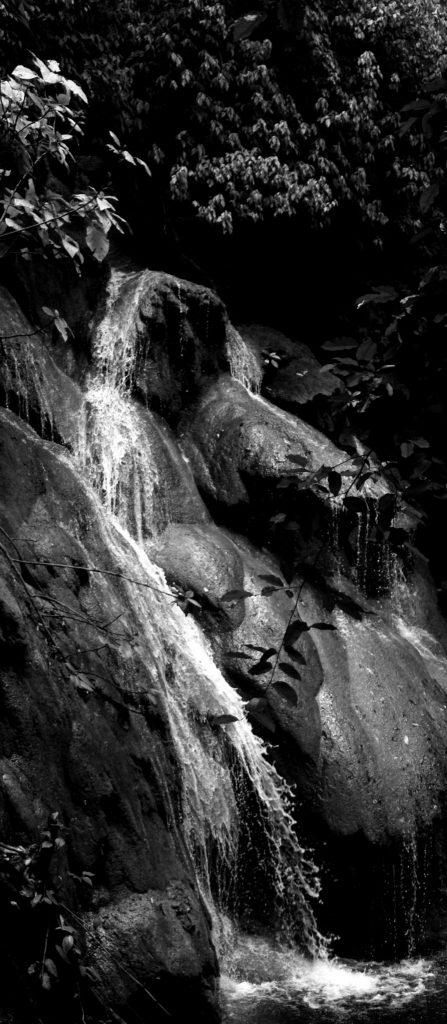 Wasserfall im Naturschutzgebiet bei Palenque, Chiapas, Mexiko