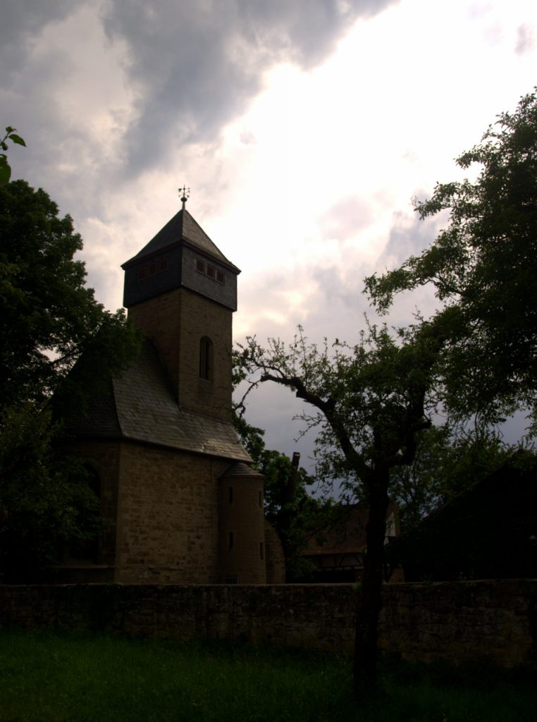 Ottilienberg - Anlage des Ringwalls in der La Téne-Zeit, Ausbau in der Hallstattzeit, die Kapelle nach 1473 gebaut