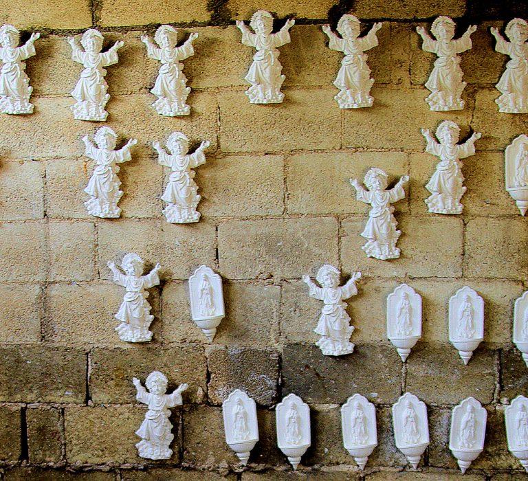 Herstellung von Engel- und Heiligenfiguren – Yucatan, Mexiko