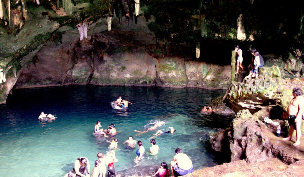 Plantschvergnügen im Untergrund - Cenote Tza Ujun Kat - Homun