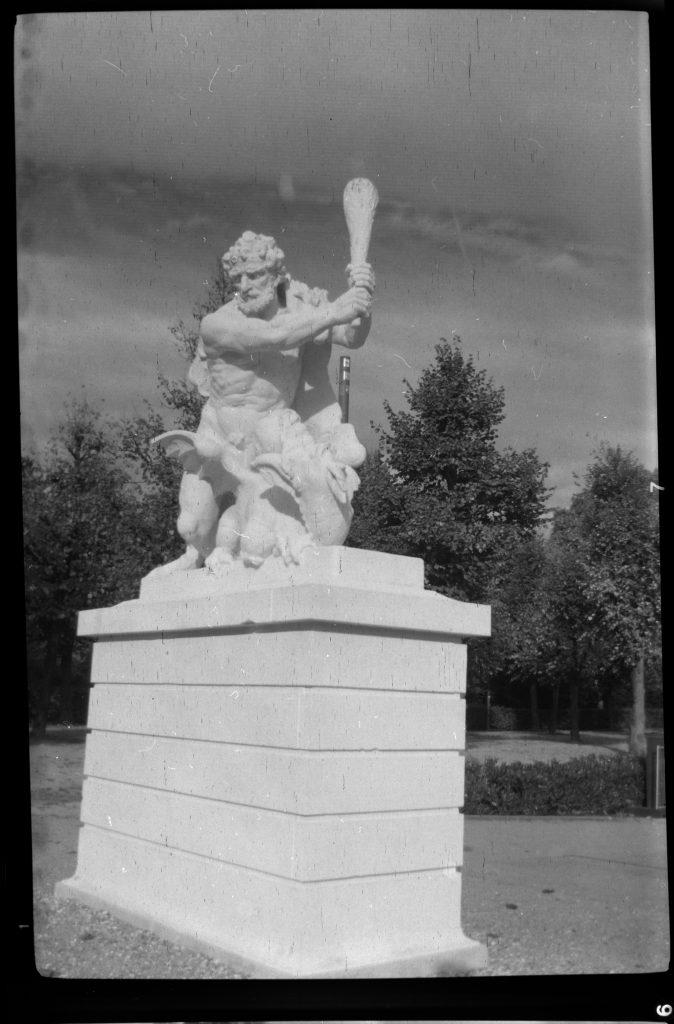 Herkules I -  Agfa Synchro Box 600 - Fomapan 200 - Blende 11