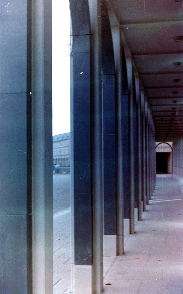 Säulengang am Schloßplatz