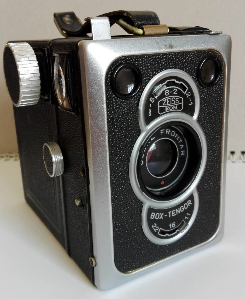 Zeiss Ikon Tengor Box  -  Modell 55/2 - mit Goertz Frontar 1:11, 105 mm
