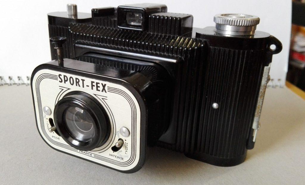 Die Indo Sport-Fex eine Bakelitkamera für 620er Film im Format 6x9