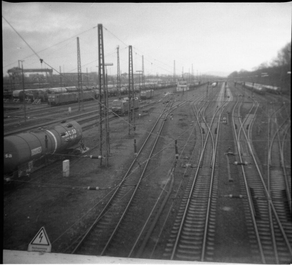 Güterbahnhof Karlsruhe von der Wasserwerkbrücke aus - Gamma Pajta's